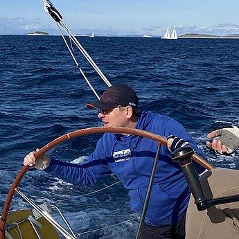Clemens, Co-Skipper